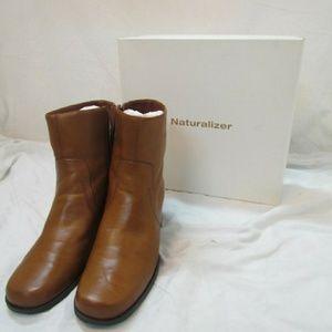 Naturalizer Auburn Lo Saddle Tan Ankle Boots 10M